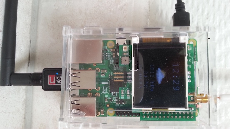 Raspberry Pi B Plus mit Add-On Board (Foto von Rappasan)