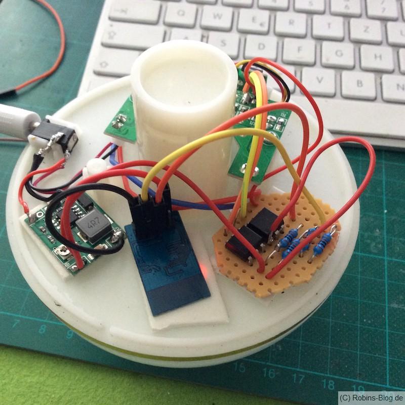 Nebler erweitert mit einem ESP8266-Modul zum Ein- und Ausschalten von Nebler und LED-Wechsellicht