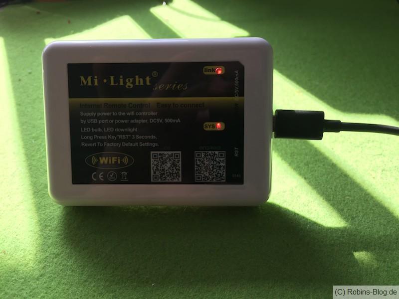 Zum Steuern der Lampe mit dem Smart-Phone oder Fhem benötigt man diesen Controller (Mi Light)